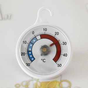 Round Thermometer from -30°C to + 50°C with hook
